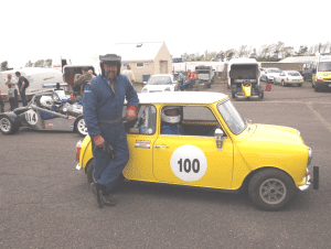 min racing car